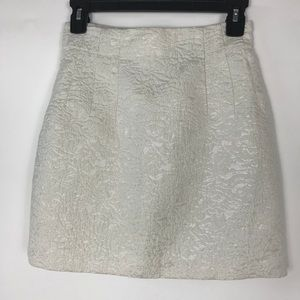 H&M ~ White & Silver Mini Skirt
